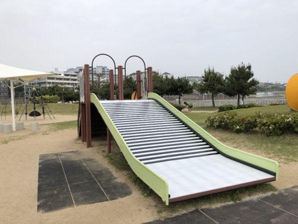 大蔵海岸公園子ども広場すべり台