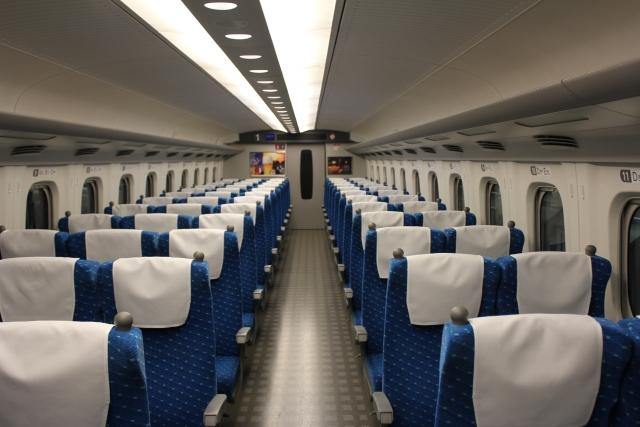 新幹線は座席の自由度が高い